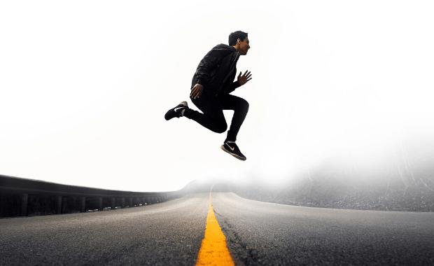 3 modi per rimanere coi piedi per terra
